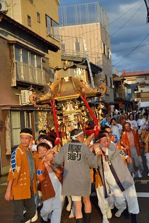 新潟県十日町市辰甲 諏訪神社 神輿渡御風景
