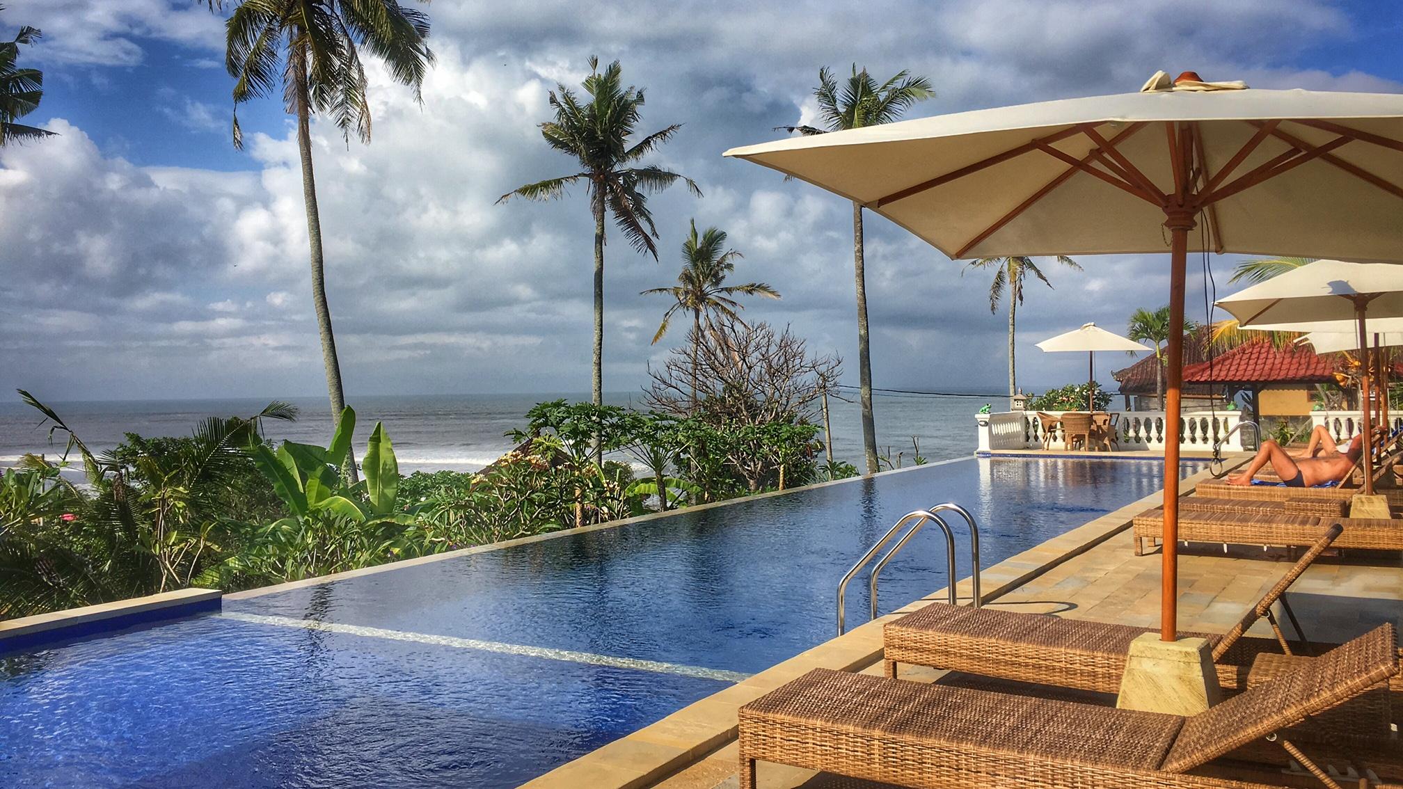 Gubug hotel in Balian
