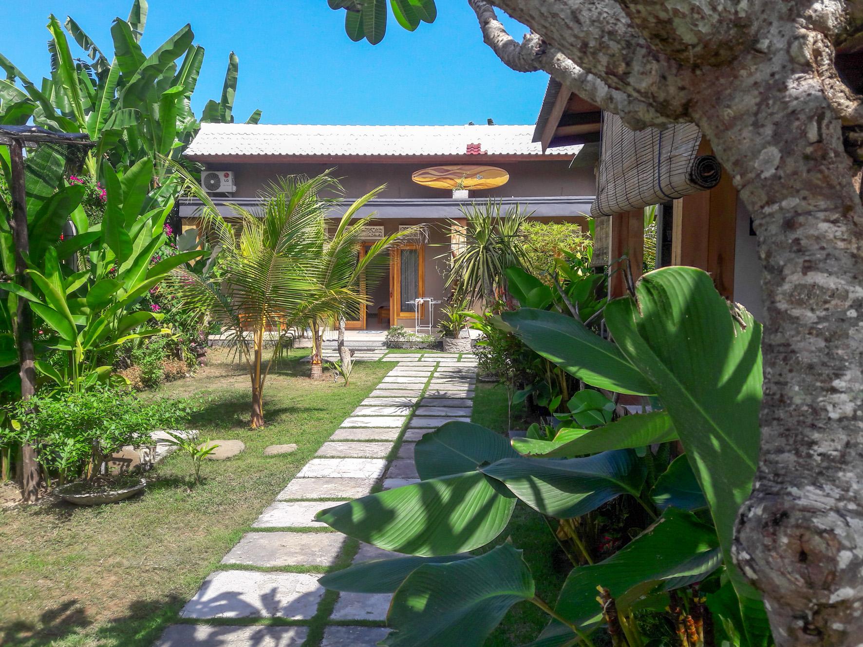 Harris Surf Villa Medewi West Bali
