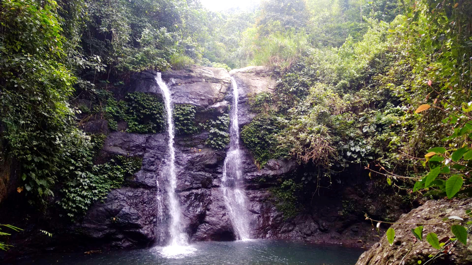 Juwuk Manis waterfall