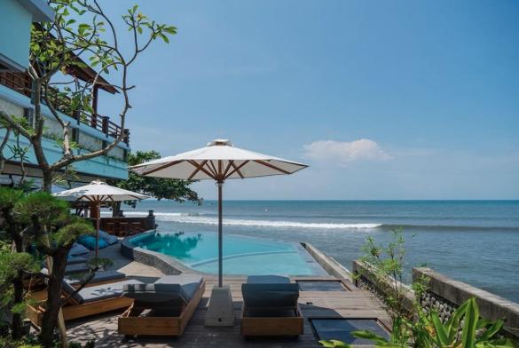 luxury hotel surfing medewi bali