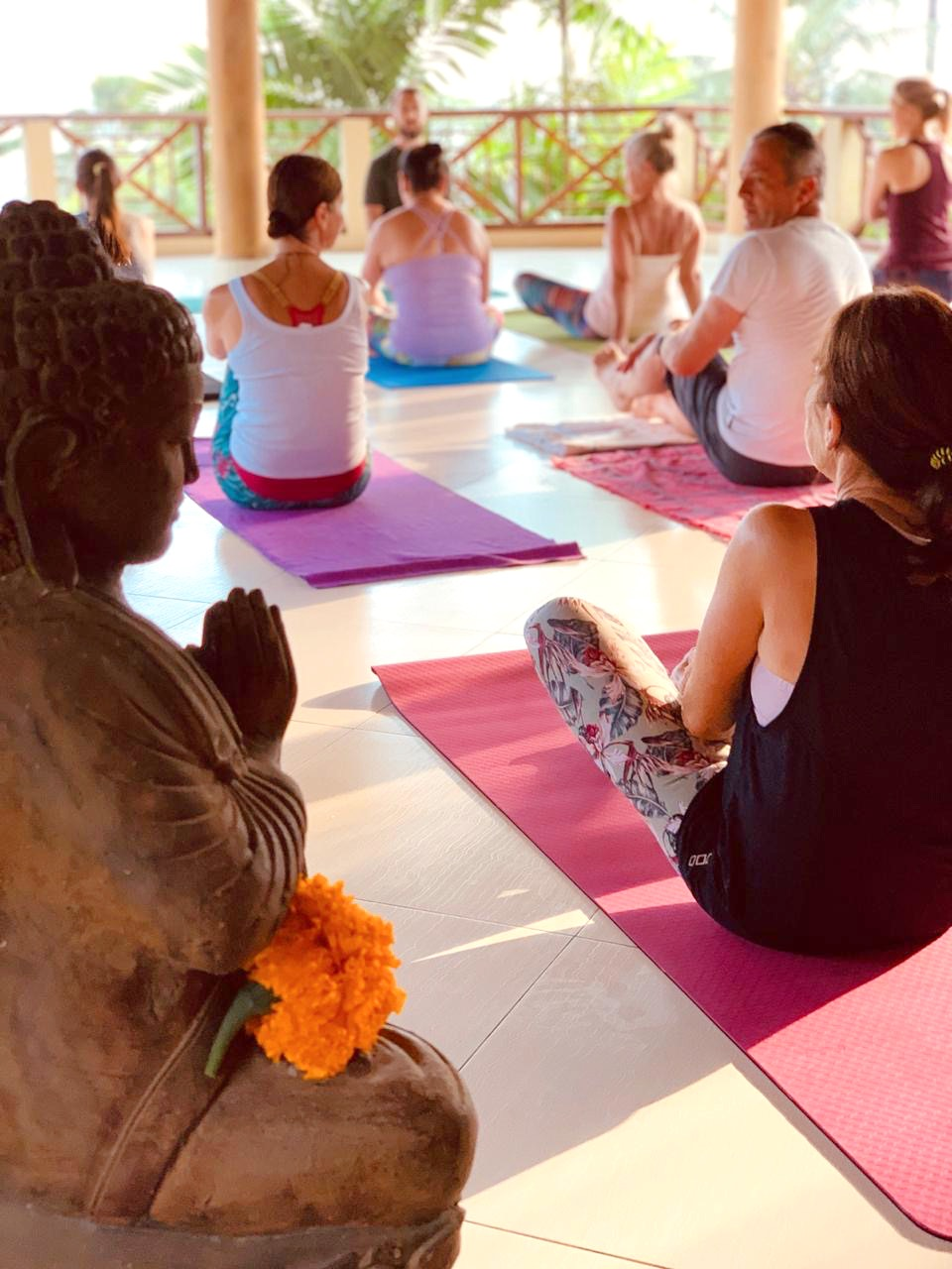Yoga in Medewi