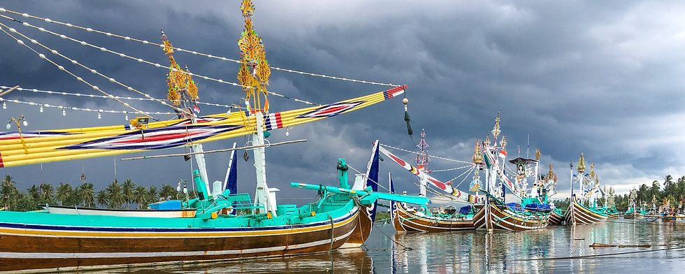 Perancak boats near Negara.jpg