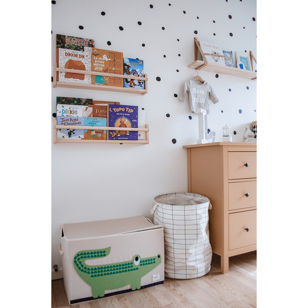 book shelf children room