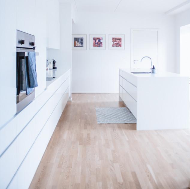 Scandinavian kitchen white