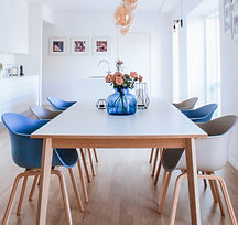 Dining table and chairs in Scandinavian design, in a newly renovated apartment in Copenhagen
