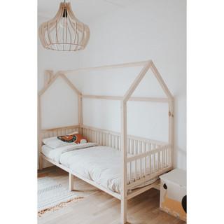 scandinavian child bed