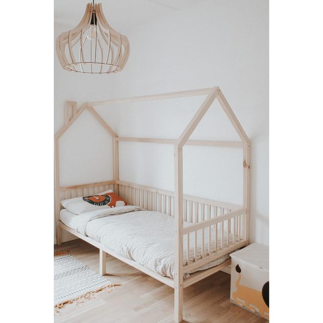 scandinavian child bed montessori