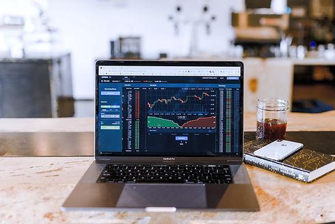Daytrading%20bitcoins%20financial%20markets%20at%20a%20coffeeshop%20_edited.jpg