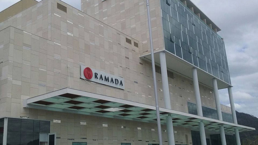 Hotel Ramada Recreio