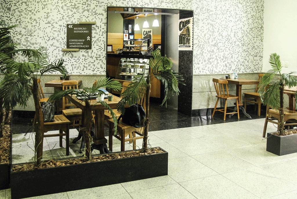 Cafeteria Cafe Hum