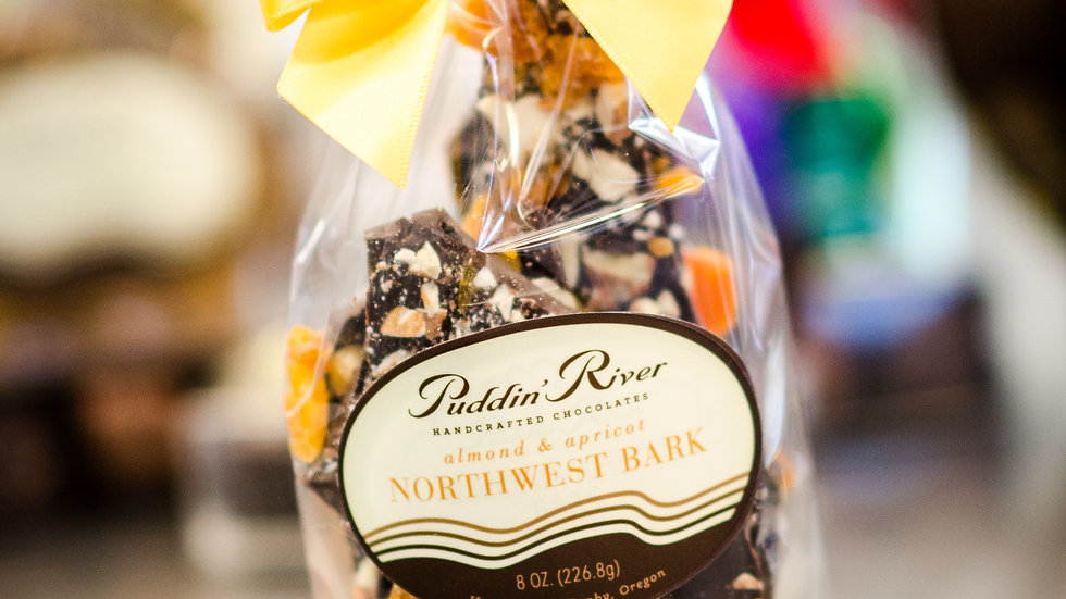 Chocolate Bark - 8oz Apricot Almond