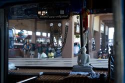 On_the_road._Sri_Lanka._©Lisa_Boniface-11
