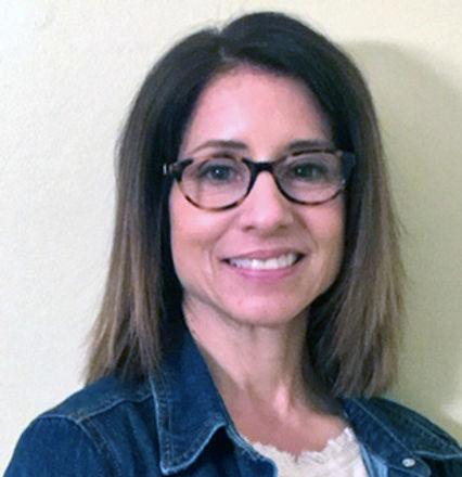 Lisa-Kropp-2019-Educator-of-the-Year.jpg