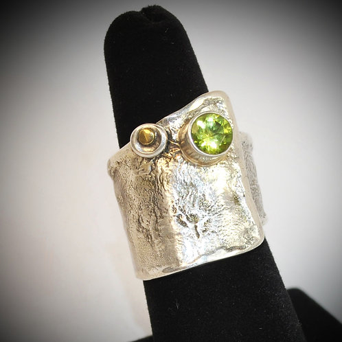 Reticulated silver ring with Peridot