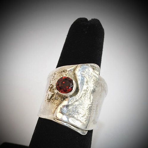 Reticulated Silver Ring with Garnet