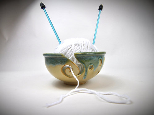 Yarn Bowl in Turquoise Cream Glaze