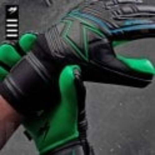 KA Goalkeeping Breakout Negative (emerald coloured palm)