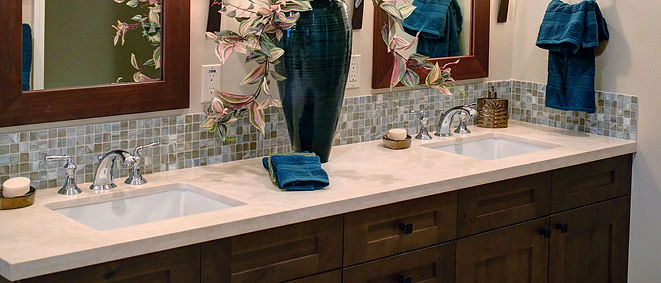 full bathroom (vanity).jpg