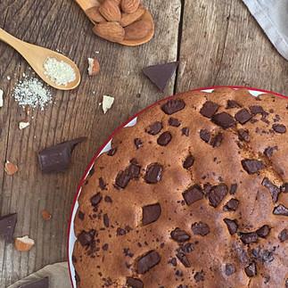 Bizcocho de almendras y pepitas de chocolate
