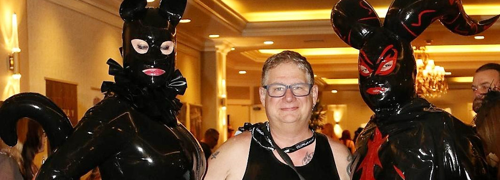 Fetish Convention, Mr RubberTime