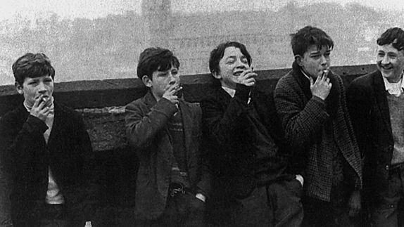 Una foto di Mario Dondero in Grand'Italia, film documentario per la regia di Simone Aleandri