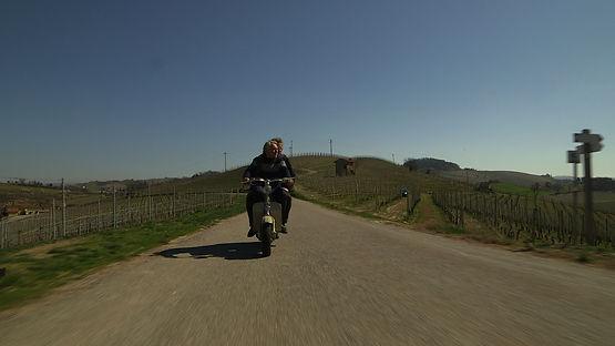 Beppe Rinaldi con Franco Marcoaldi nel documentario su Carlo Petrini per Grand'Italia. Regia Simone Aleandri