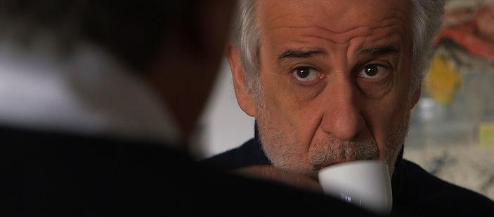 Toni Servillo in una scena di Grand'Italia, film documentario per la regia di Simone Aleandri