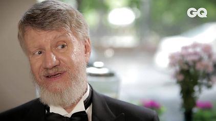Видеоролик для журнала GQ. Человек года писатель Владимир Шаров предлагает список из 10 книг, которые сделают человека умнее...
