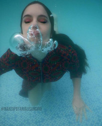 Underwater makeup by me ✨_Products detai