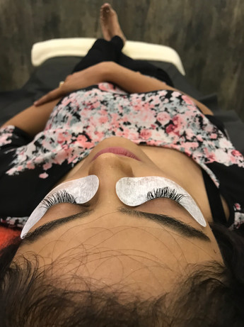 Semi-permanent lashes
