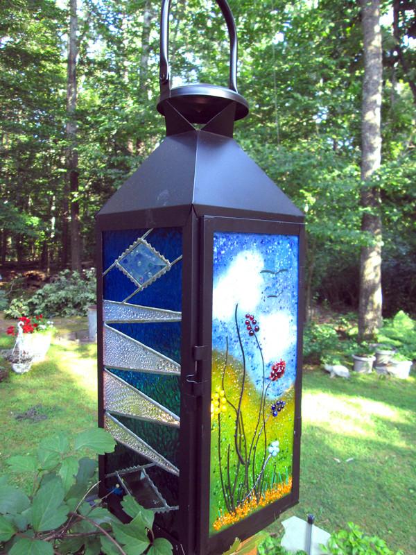 Lantern by Lisa Fairbank, Firelight Art Glass