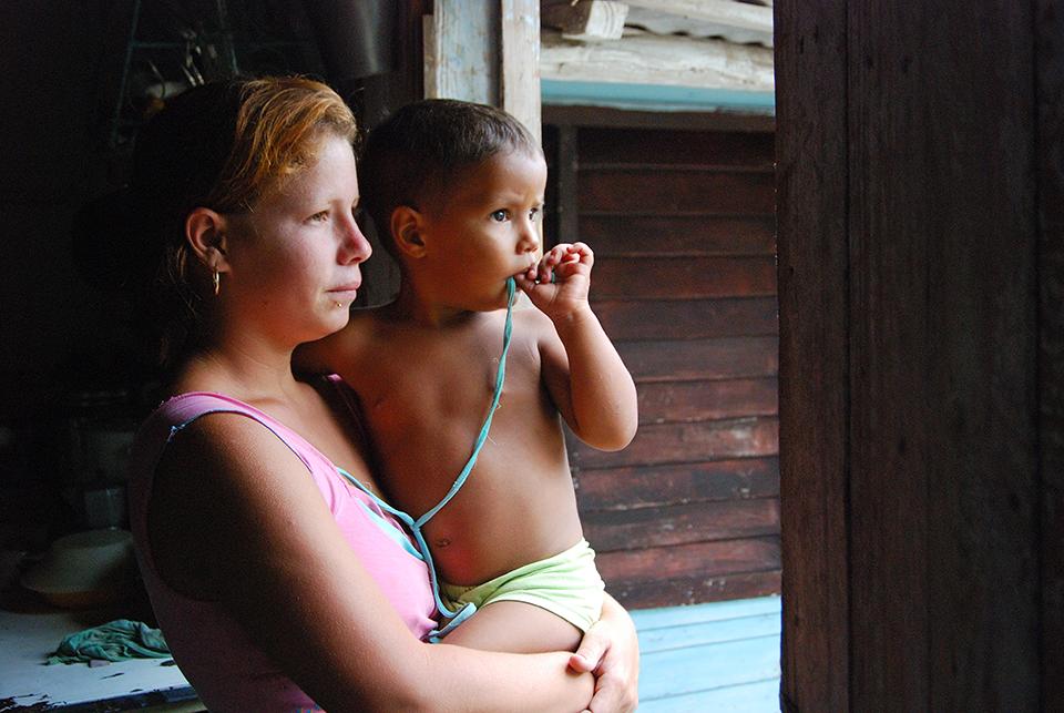 Mother+son, Cuba