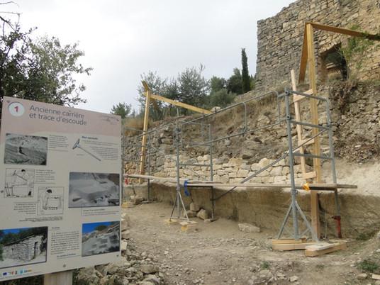 Chantier Elips : restauration d'un mur de soutènement au verger de la grange Laget