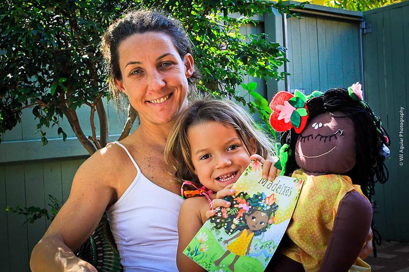 Autora lança livros infantis que propõem de forma  lúdica, questionamentos sobre estereótipos e padr