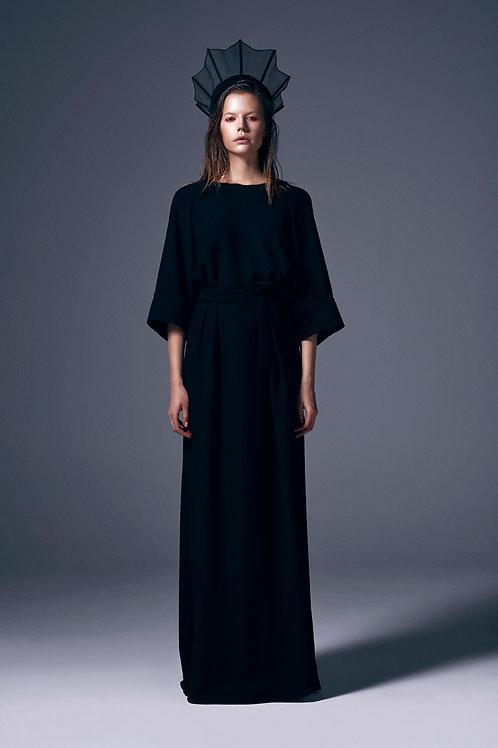 ASYMETRICAL BACK V DETAILED MAXI DRESS
