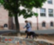 Mädchen_mit_Minou.jpg