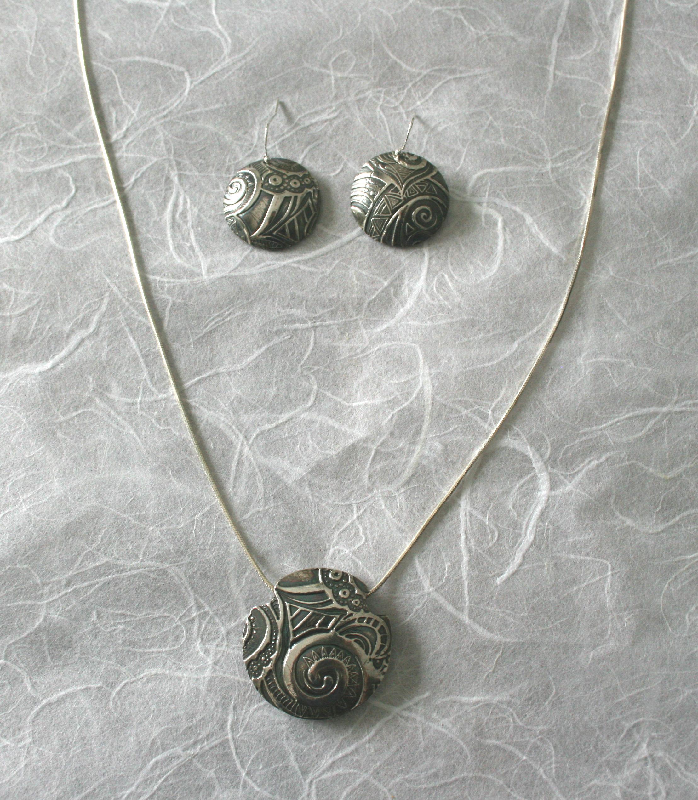 Lentil pendant