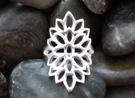 Flower patern Ring