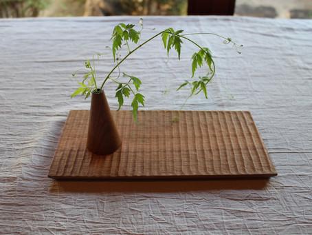 加賀雅之さんのワークショップ「皿を彫る」へ。