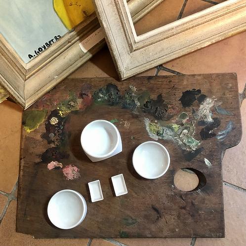 Palette et pots à aquarelle