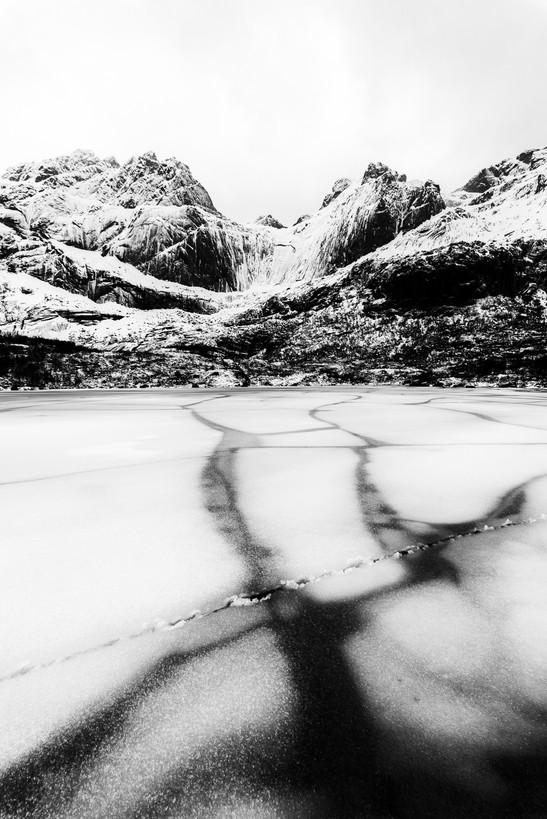 ICE CRACK LAKE