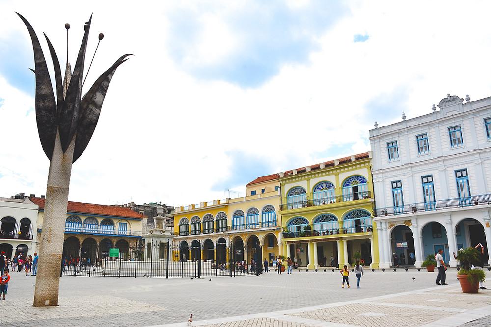 Plaza Vieja in Havana, Cuba