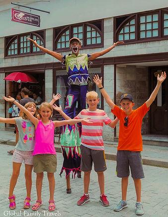Havana Street performer_GFT.jpg