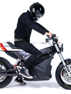 GRID Street Tracker side rider.jpg