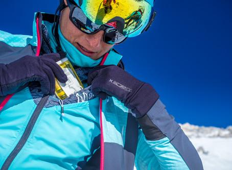Trentino, contro le valanghe la montagna si tinge di rosa