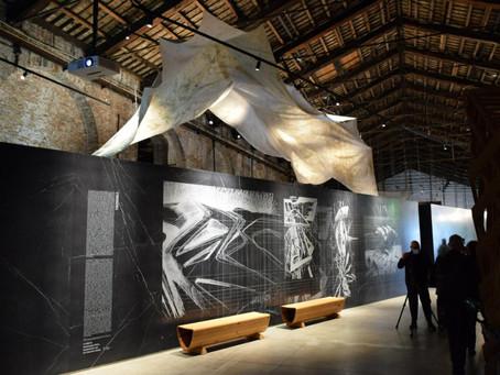 Dal Presena alla Biennale di Venezia: i teli salva-ghiaccio diventano installazioni artistiche
