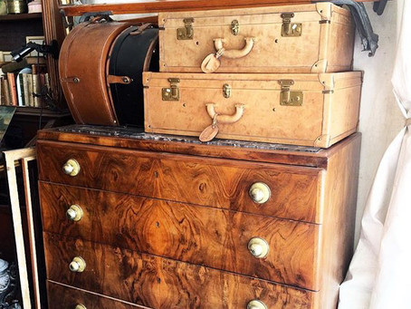 A VINTAGE SUITCASE STORY