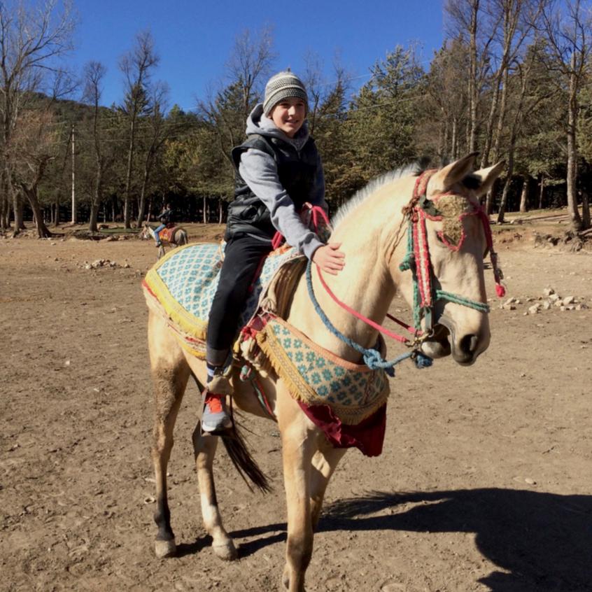 lake horse riding