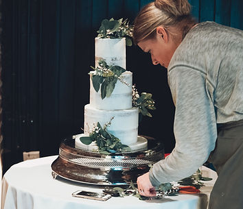 Wedding cake delivery and set up